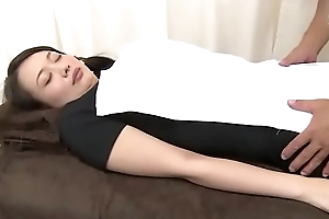Japanese slut wife goes be worthwhile for a relaxing massage (Full: bit.ly/2AwazEk)