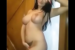 Sexy Indian Aunty with round boobs hot