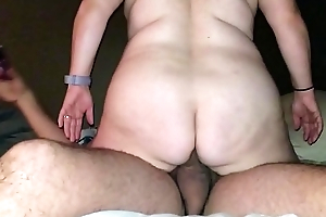 Sexy BBW Fucks and Squirts