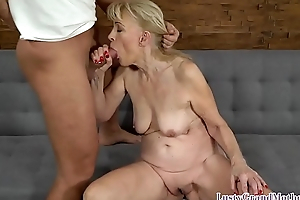Cocksucking granny getting pussyfucked