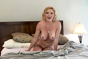 Joey Valentine Fucks In the balance She Squirts Pussy Juice