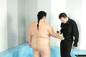 Chubby bigtits beauty drilled on a difficulty floor