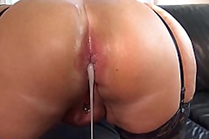 Submissive slut hard Ass fucked by a brutal men horde, including extreme filling close by sperm and piss!