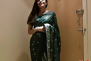 Pretty Girl Jasmine in Sari strips here show us