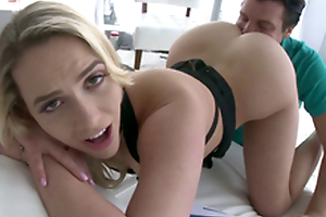 Mia Malkova's perfect ass deserves worship