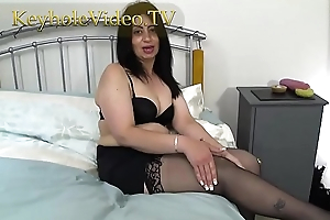Milf CandyLips on Black Lingerie Masterbating in the flesh on Bed