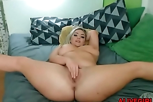 Crazy plumpish blonde CocoLoca with huge twerking booty